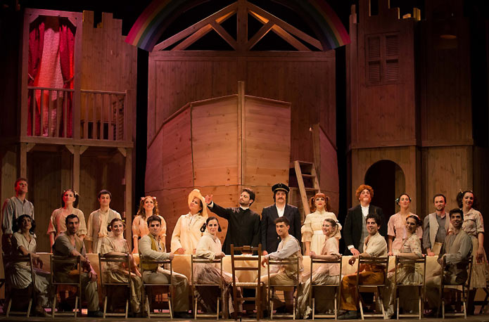 Aggiungi un posto a tavola spettacolo musical a teatro - Canzone aggiungi un posto a tavola di johnny dorelli ...