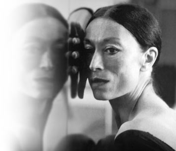 ballerina Luciana Savignano