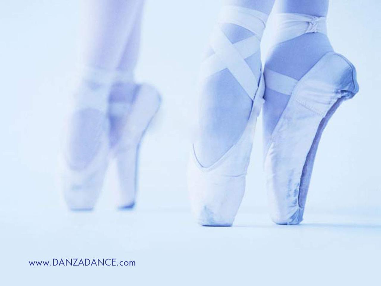 Sfondi danza wallpaper per telefono e computer www for Immagini di ballerine di danza moderna