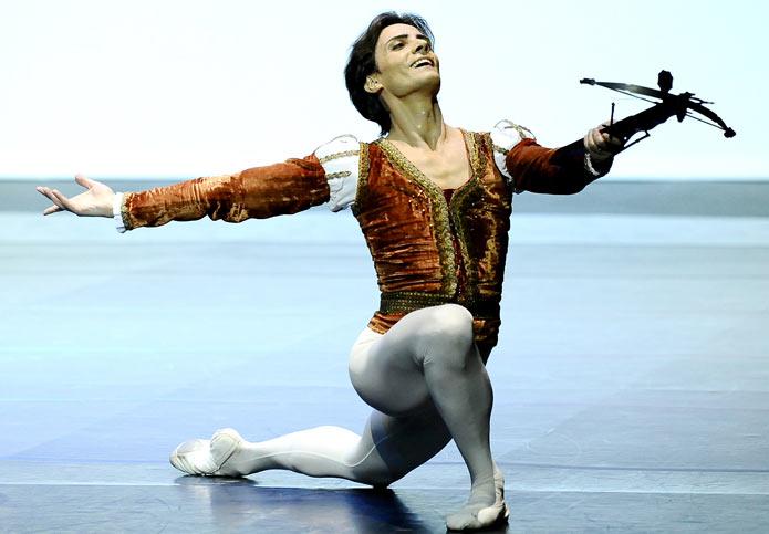 GIUSEPPE PICONE ballerino - www.DanzaDance.com